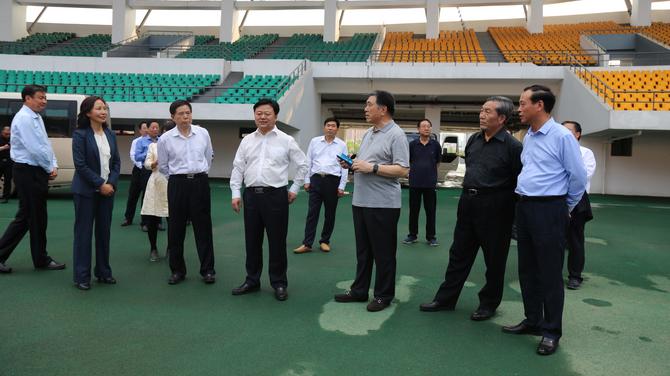 全国政协人口资源环境委员会原副主任、河南省原省长李成玉视察体