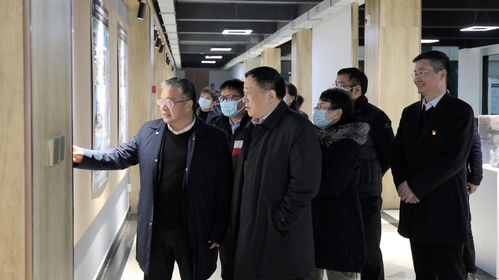 中国国际经济交流中心副理事长张