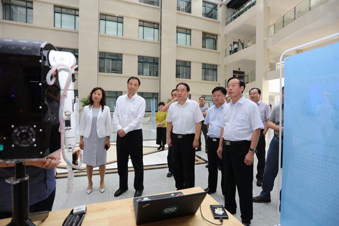 教育部副部长孙尧、河南省副省长