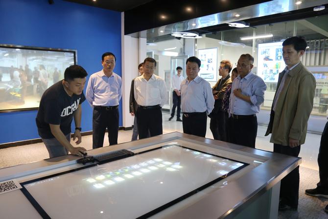 第48批中国博士后科技服务团到校调研